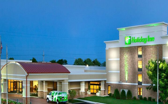 Exit 60 On Interstate 55 Carlinville Il 62626 Hospitality Property For Sale Magnuson Grand Hotel Conference Center