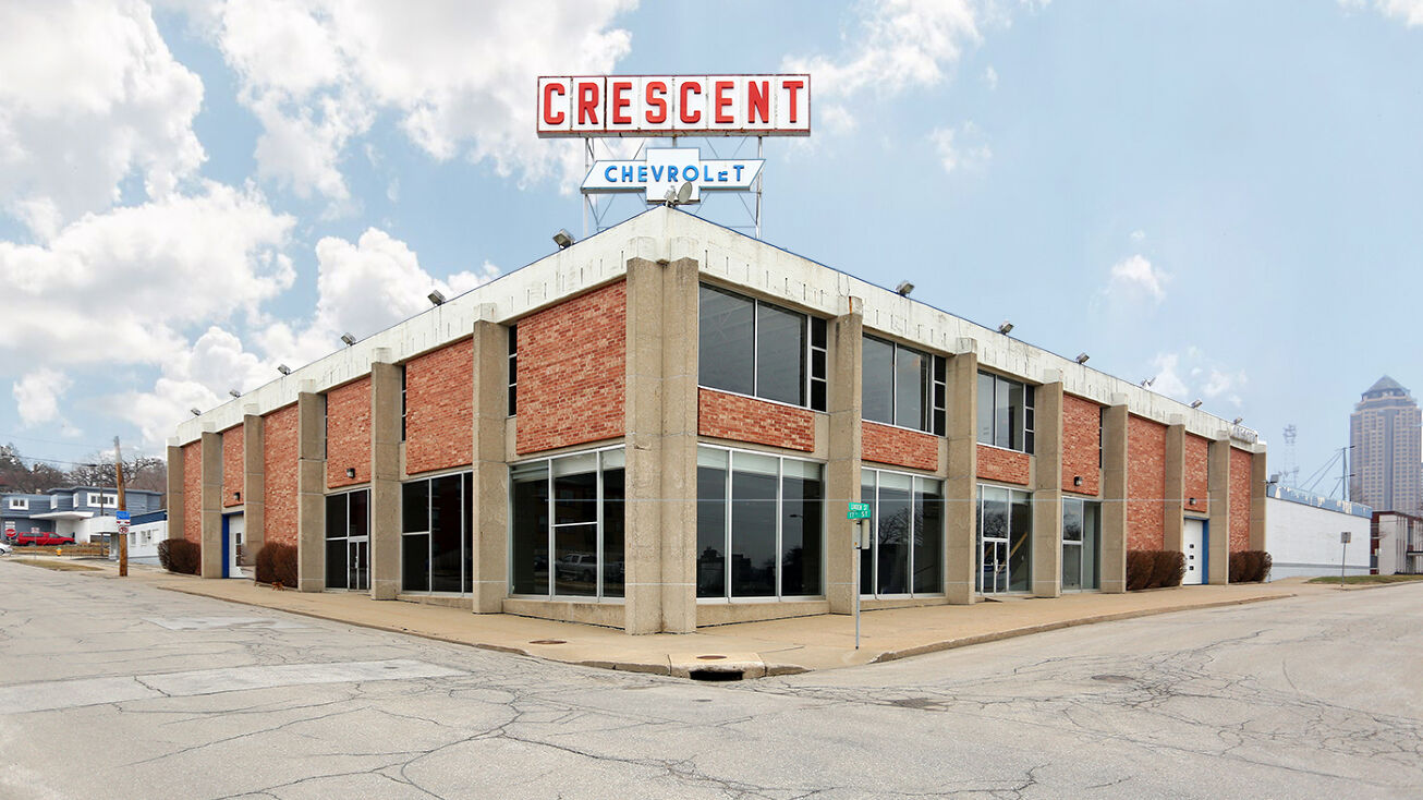 555 17th Street Des Moines Ia 50309 Office Space For Lease Former Downtown Crescent Chevrolet