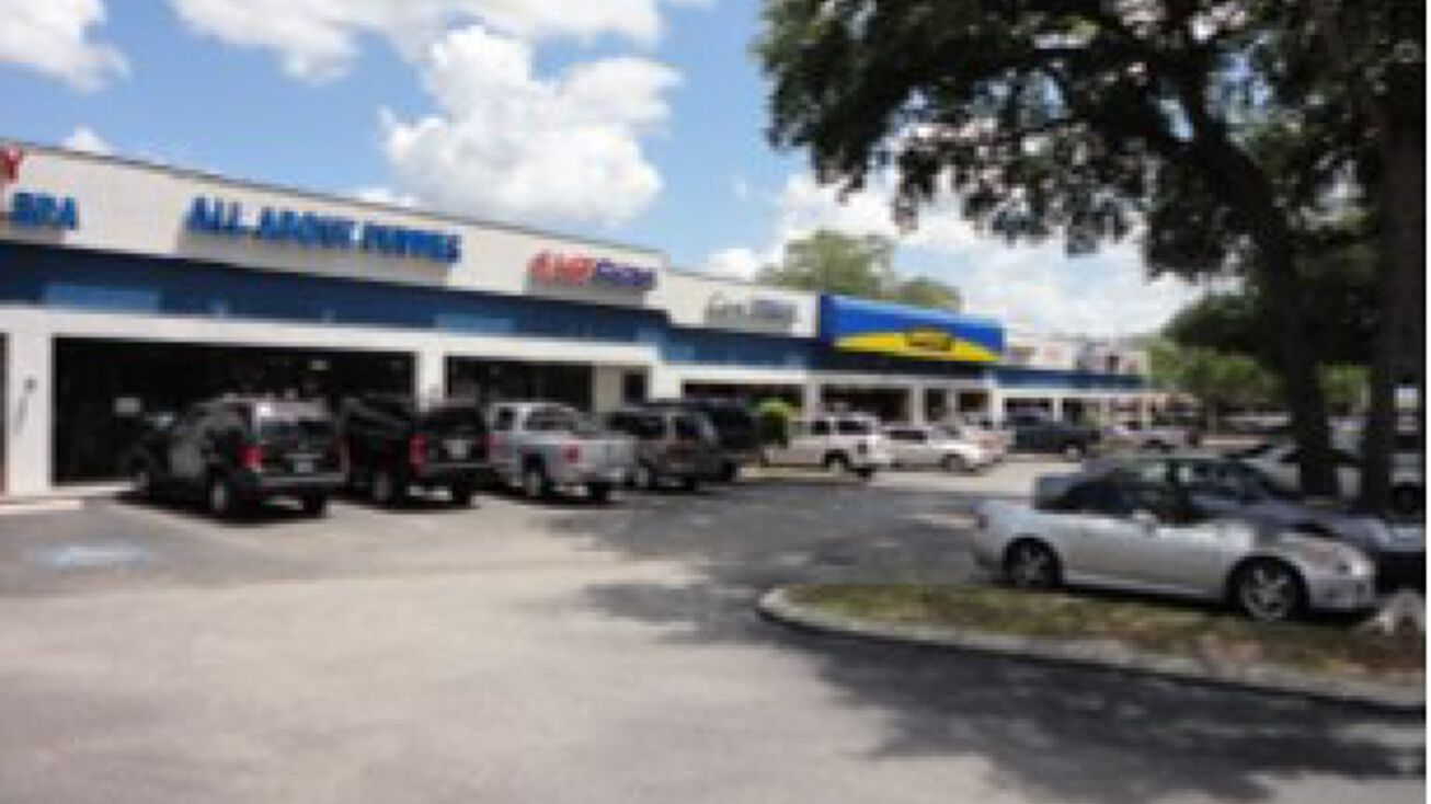 2102 west brandon boulevard brandon fl 33511 retail space for lease brandon oaks plaza crexi com